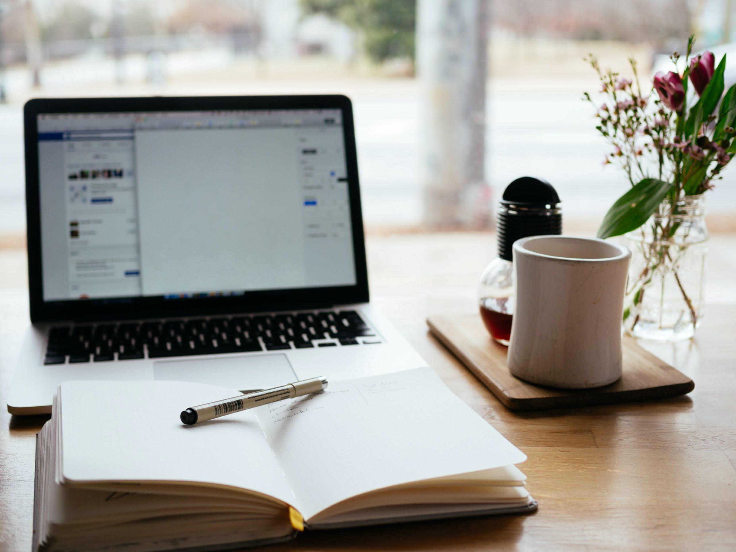 Convocatoria: Looking For Creative Writers (Faltan 5 Días Para Inscribirte)