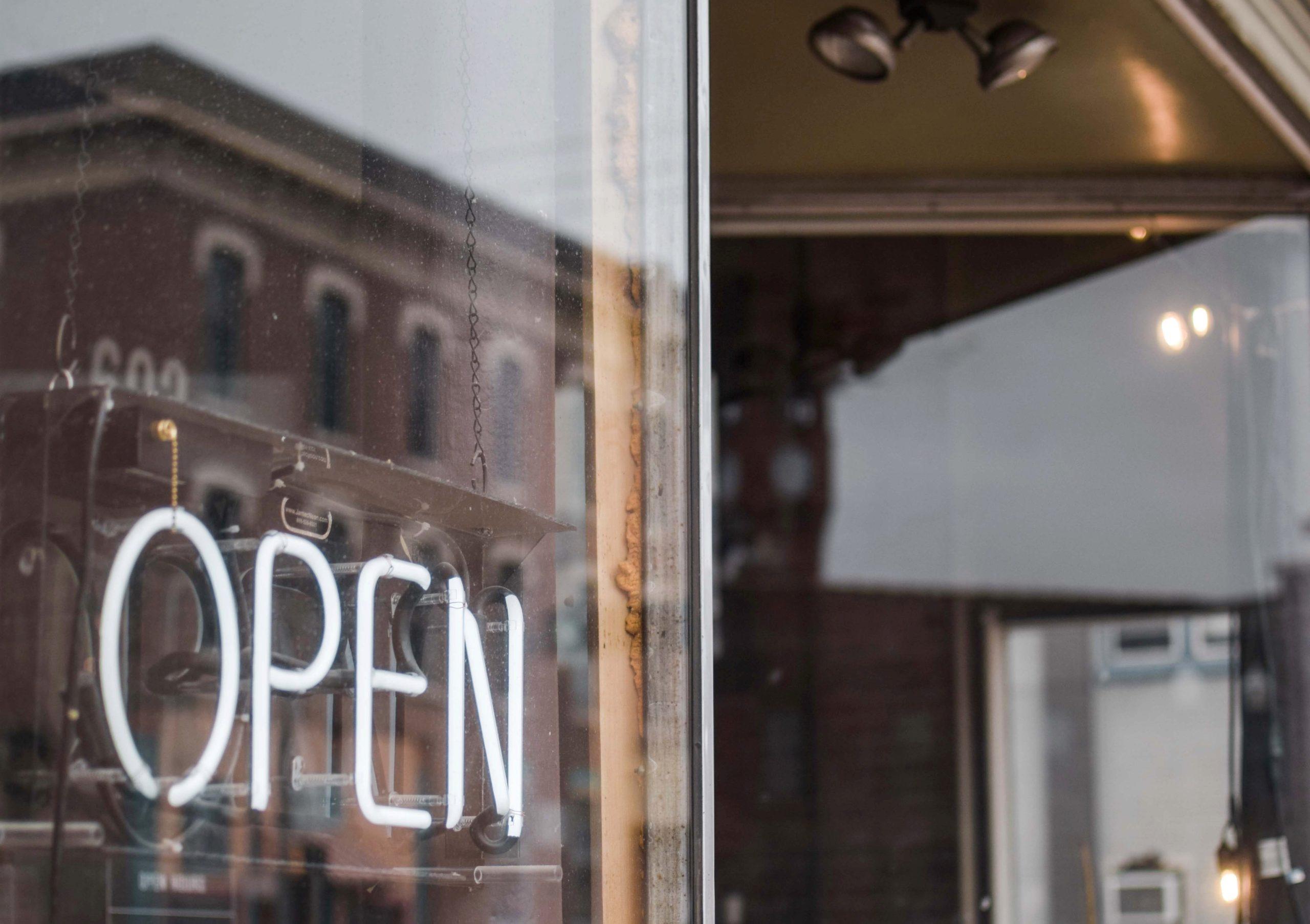 «La Oportunidad Y La Disponibilidad Son A Menudo La Madre De La Invención» (David Byrne, Músico Americano). COVID Gestión De Crisis Y La Pregunta De Los Hotel Revenue Managers