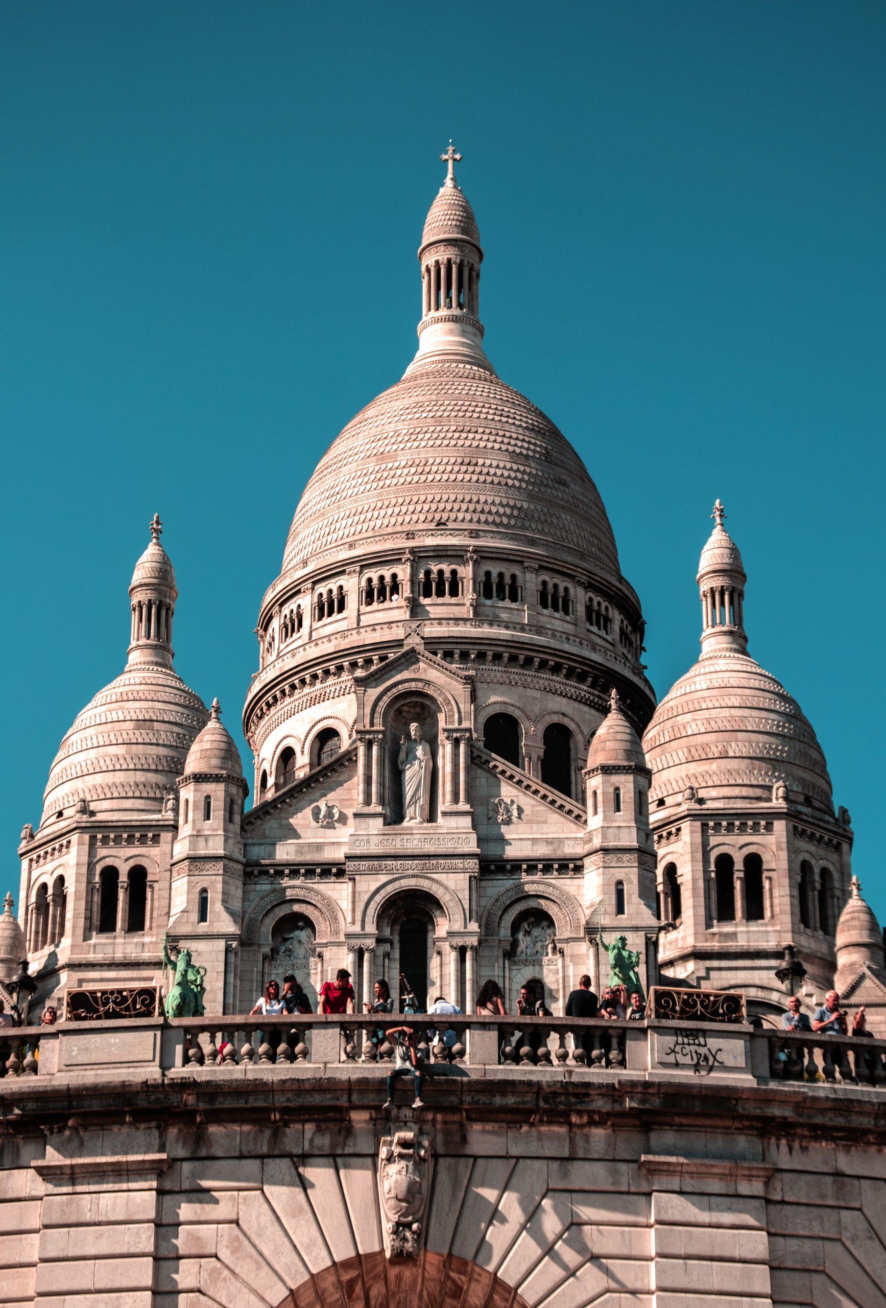 Un Viaje A París Desde Tu Casa: Montmartre Es El Corazón Del Arte Y La Bohemia.