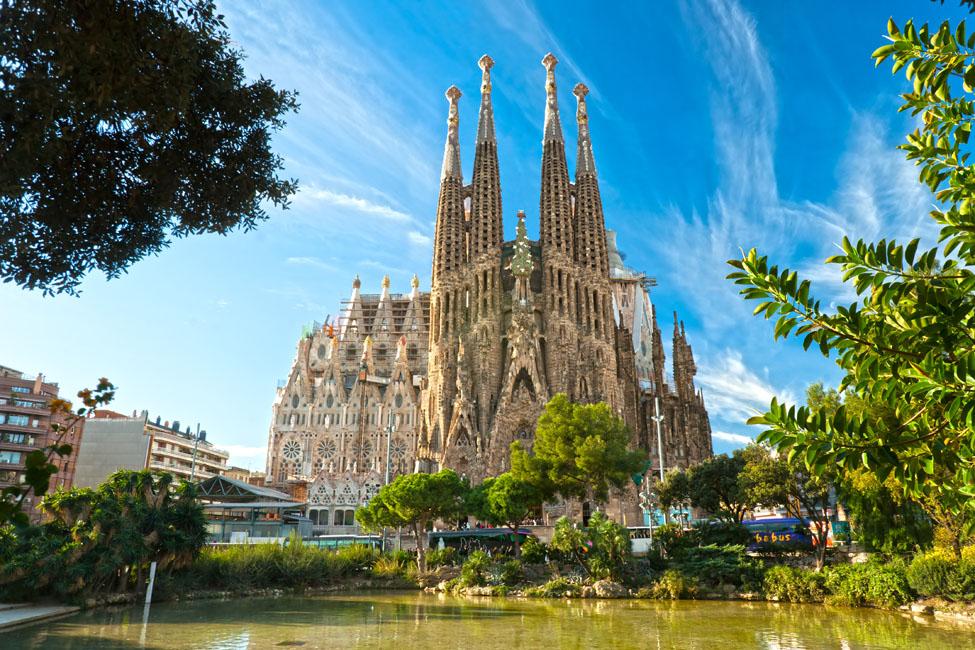 Gaudí And La Sagrada Familia